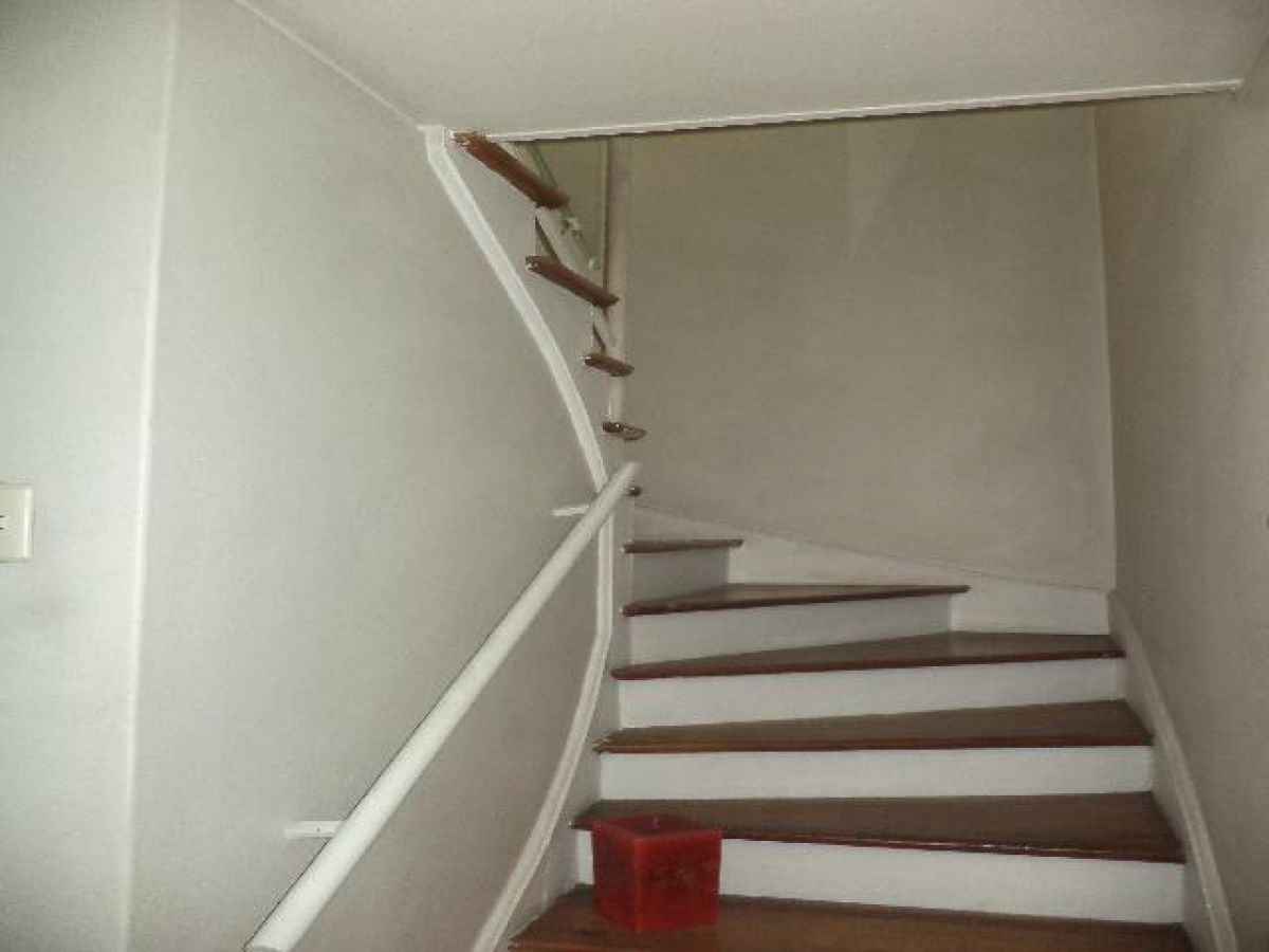 Casas remodelar vitacura for Remodelar piso antiguo
